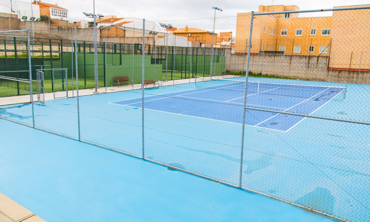 Complejo de piscinas municipales mar a luisa caba ero for Piscina 4x4