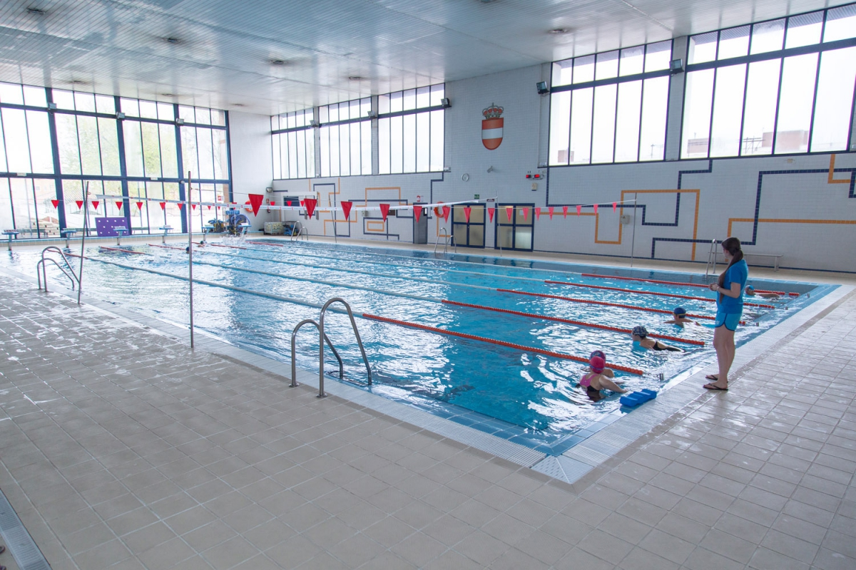 Complejo de piscinas municipales mar a luisa caba ero for Piscina municipal puerto real